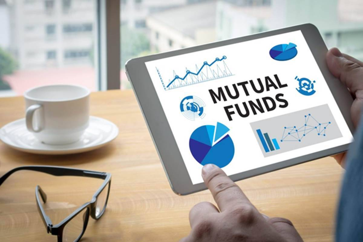 Mutual funds folio count surges by 18 lakh in June quarter