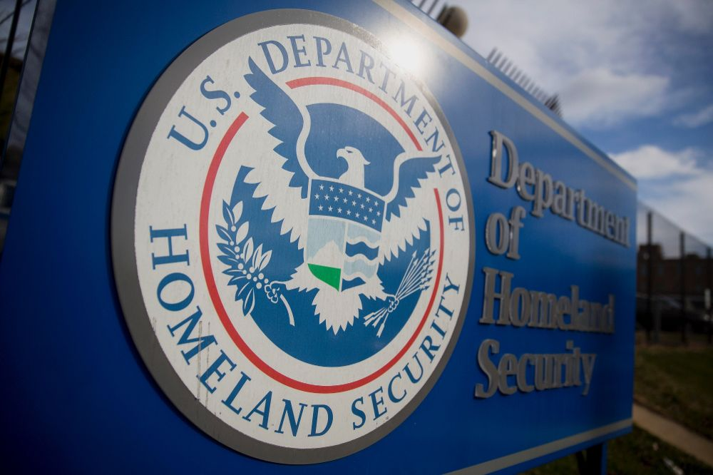 USA seeks to curtail green cards for immigrants on public aid