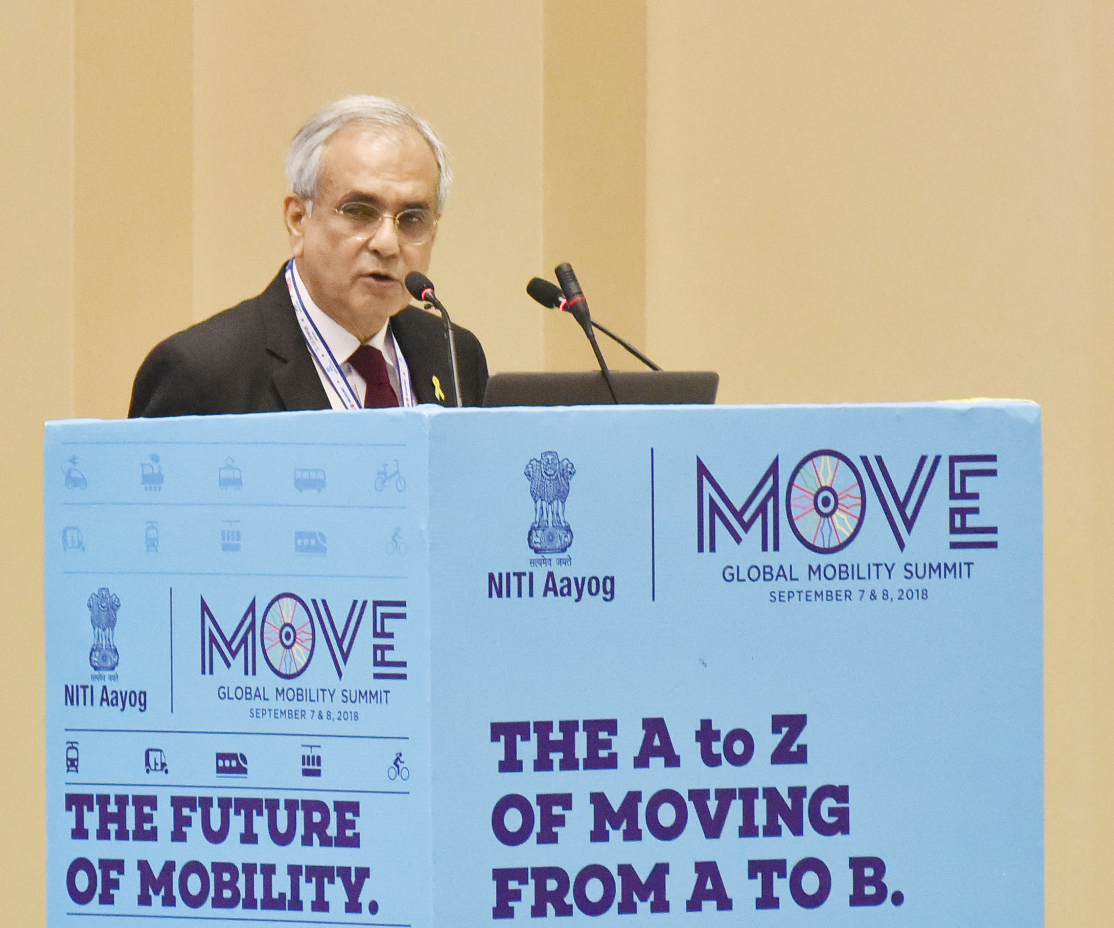 Niti Aayog asks auto cos to stick to timeline to achieve full e-mobility
