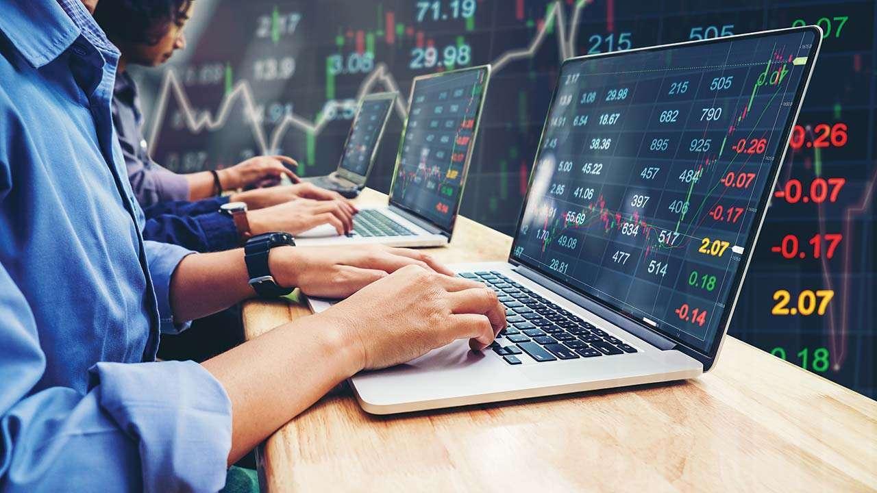 'Indian Rupee, oil, global cues to determine market trend'