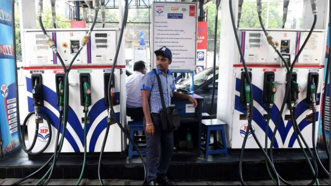 Rahul Gandhi, Manmohan Singh hit out at Narendra Modi over rising fuel prices, Congress claims bandh a big success