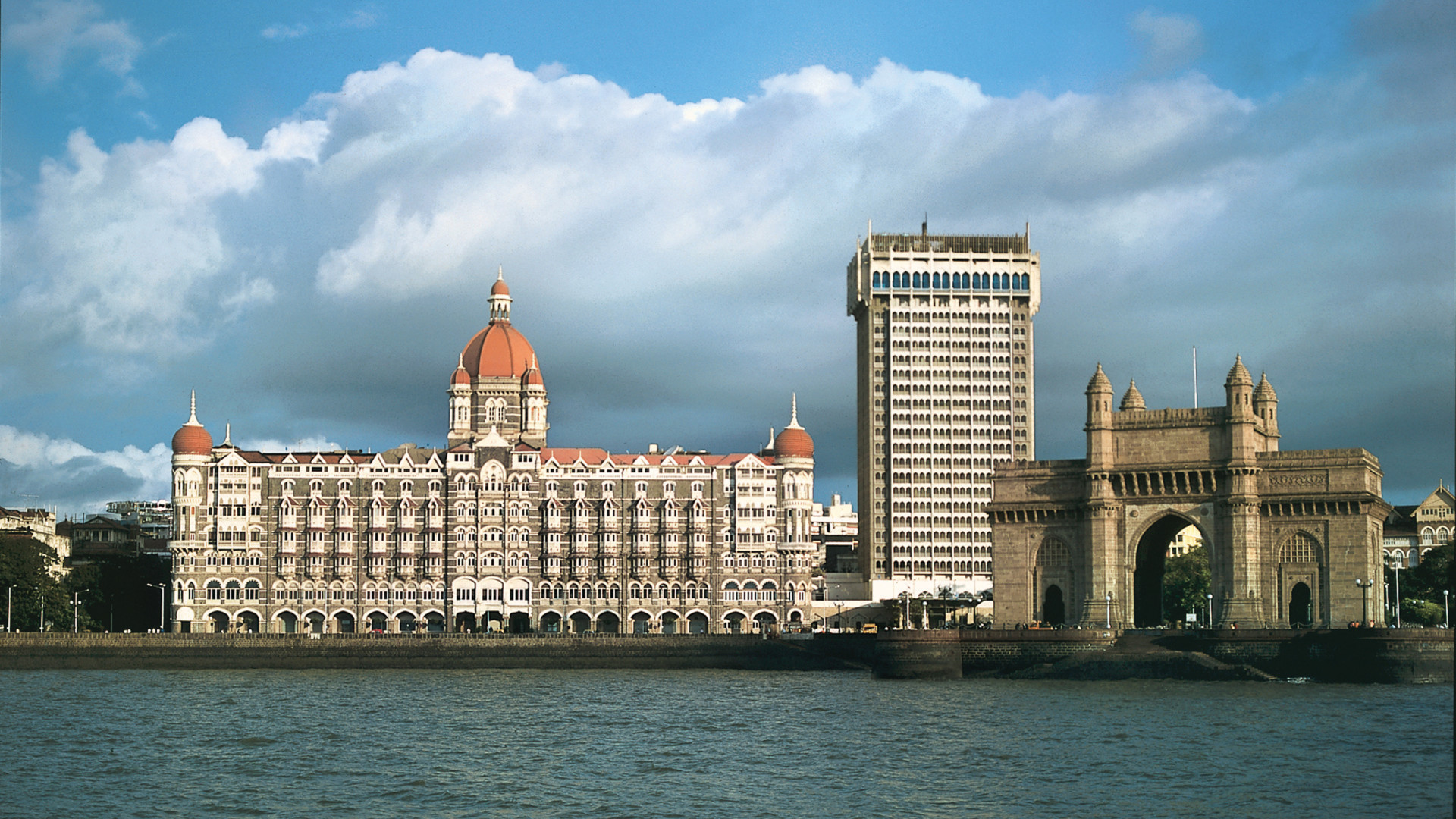 IHCL ties up with Singapore's GIC to invest Rs 4,000 crore in hotel acquisitions