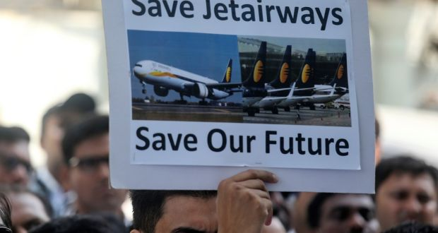 Jet Airways employees raise their demands outside Civil Aviation Ministry