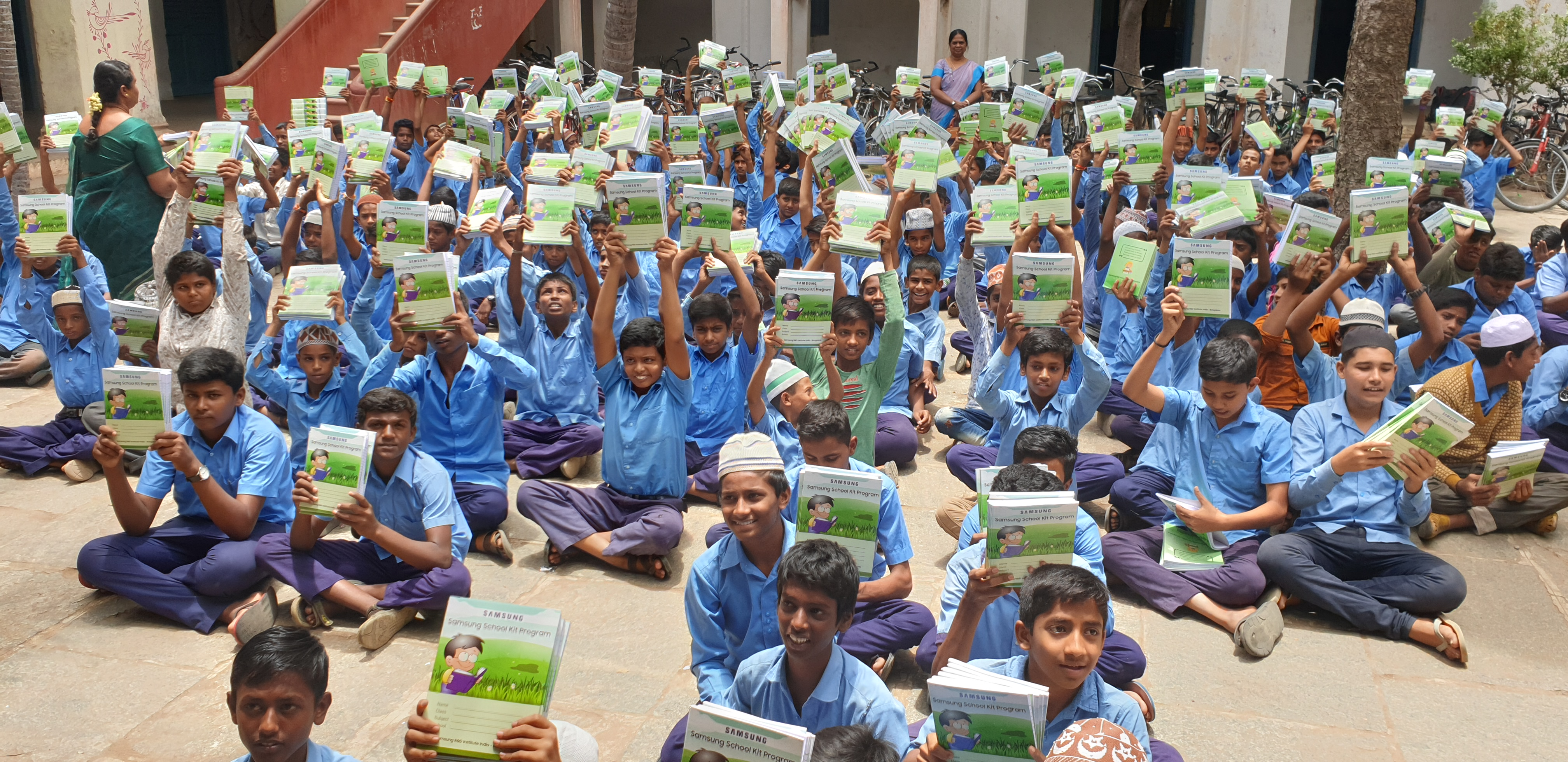 Samsung donates 550,000 notebooks in government schools