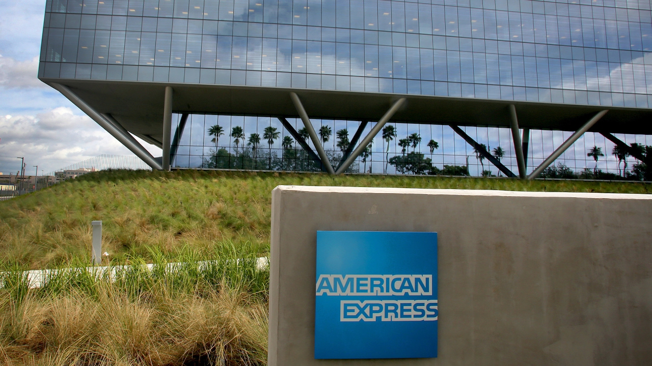 DLF sells nine-acre land to American Express for Rs 300 crore