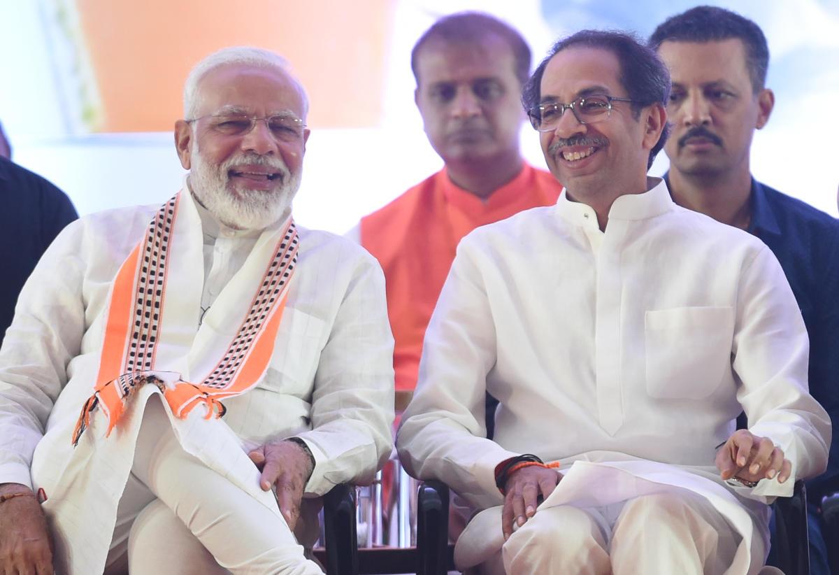 Uddhav Thackeray speaks to Narendra Modi as he awaits governor's decision