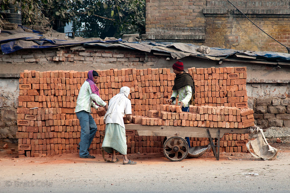 Karnataka announces Rs 3,000 each to registered construction workers