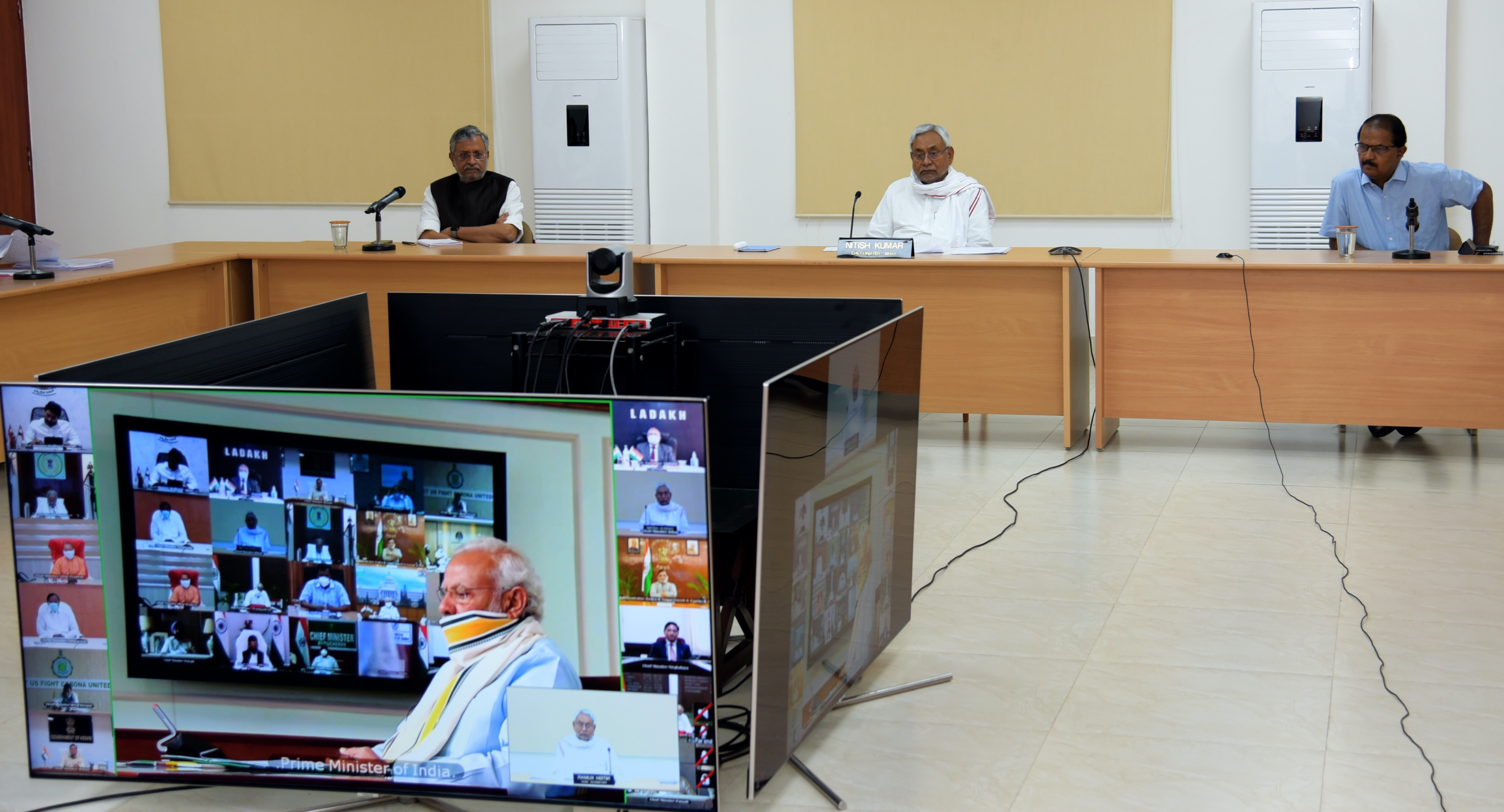 Nitish Kumar favours extension of lockdown in meeting with Narendra Modi