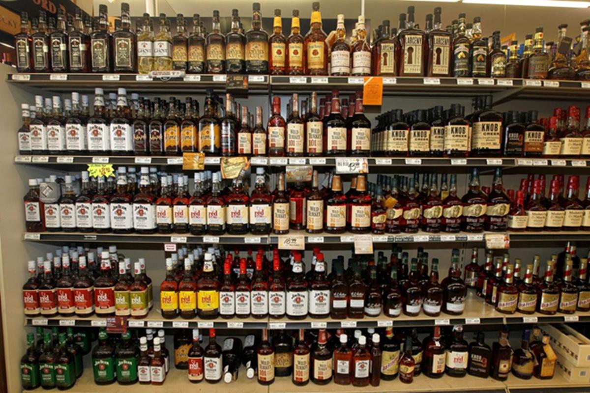 Uttar Pradesh government hikes liquor prices, hopes to earn Rs 2,350 crore revenue