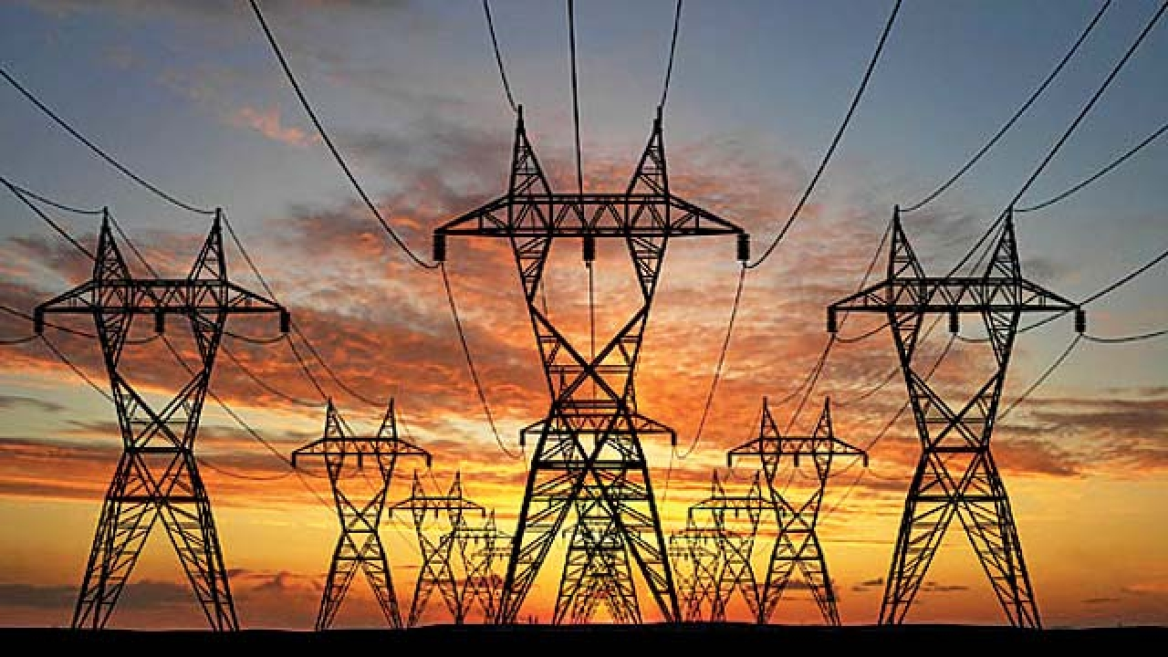 Narendra Modi reviews power sector,says state-specific solutions needed