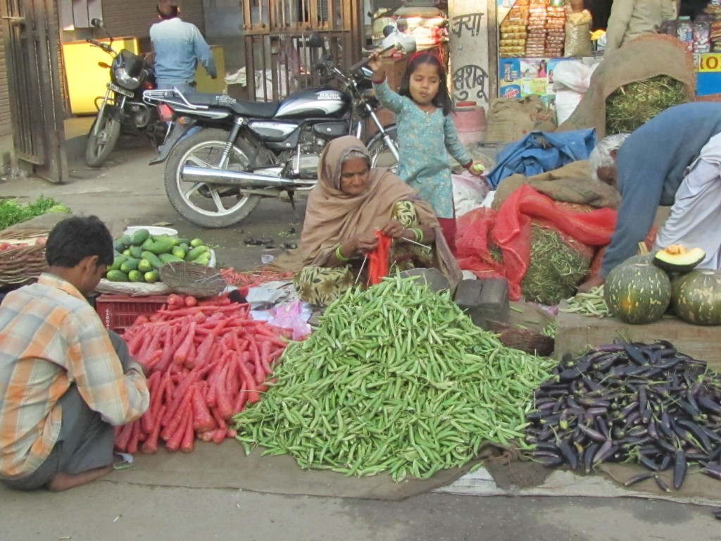 India announces Rs 5,000 crore Special Credit facility for street vendors