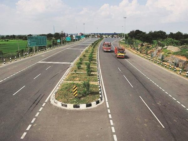 NHAI awarded projects worth Rs 31,000 crore in FY21
