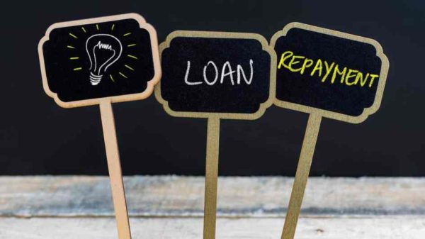 Banks free to restructure loans, but can't penalise borrowers availing moratorium benefit