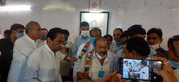Senior BJP leader Satish Singh Sikarwar joins Congress