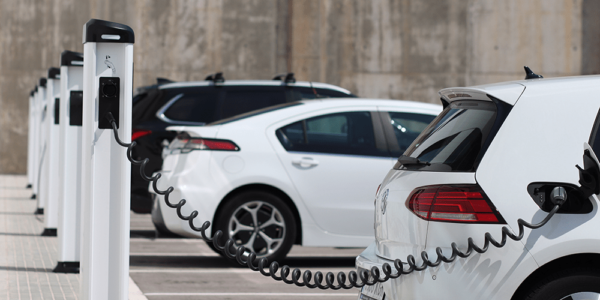 Uber promises 100% electric vehicles by 2040, commits $800 million to help drivers switch