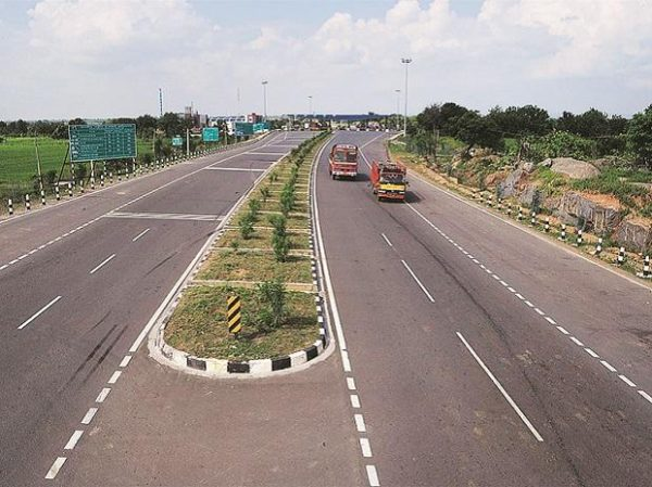 210 National Highway projects delayed due to land acquisition issues, poor performance by developers