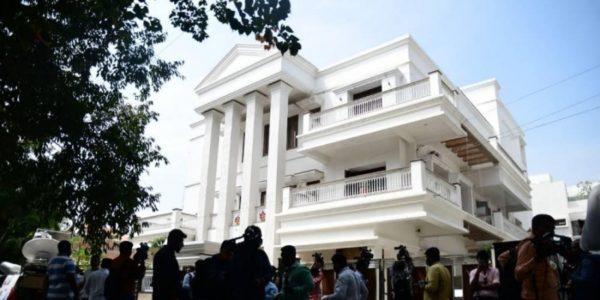 CBI books Karnataka Congress President for possessing disproportionate assets worth Rs 74.93 crore