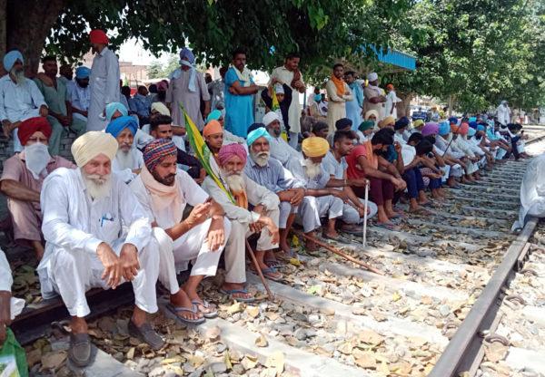 Punjab farmers' agitation cost Railways a whopping Rs 2220 crore