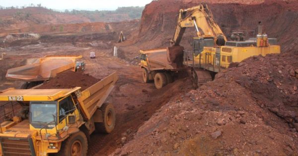 Goa Chief Minister meets Union ministers over mining issue