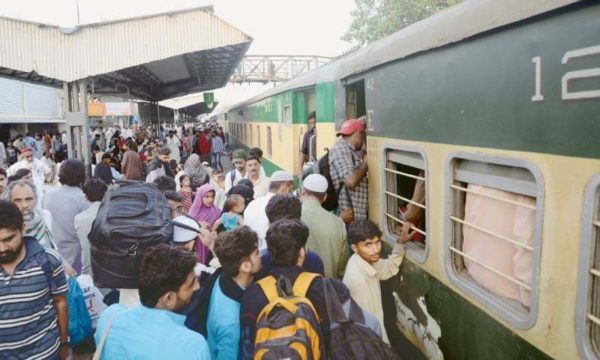 Indian Railways gets 120 applications for passenger train operation