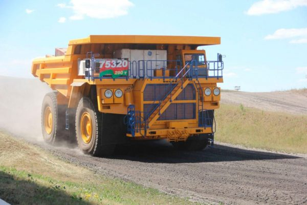 Coal India signs Rs 2,900 crore pact for procurement of dumpers