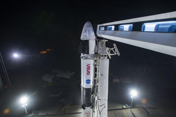 'NASA rules,' Elon Musk says as SpaceX wins $2.9 billion moon lander contract