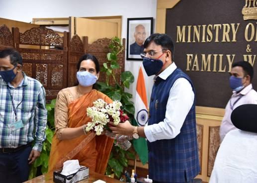 Mansukh Mandaviya takes charge as Union Minister of Health & Family Welfare; Bharati Pravin Pawar takes charge as MoS