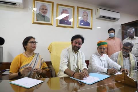 Kishan Reddy takes charge as Union Culture Minister; Meenakshi Lekhi,Arjun Ram Meghwal also take charge as MoS