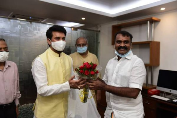 Anurag Thakur takes charge as Minister of Information and Broadcasting;Dr. Loganathan Murugan takes charge as MoS